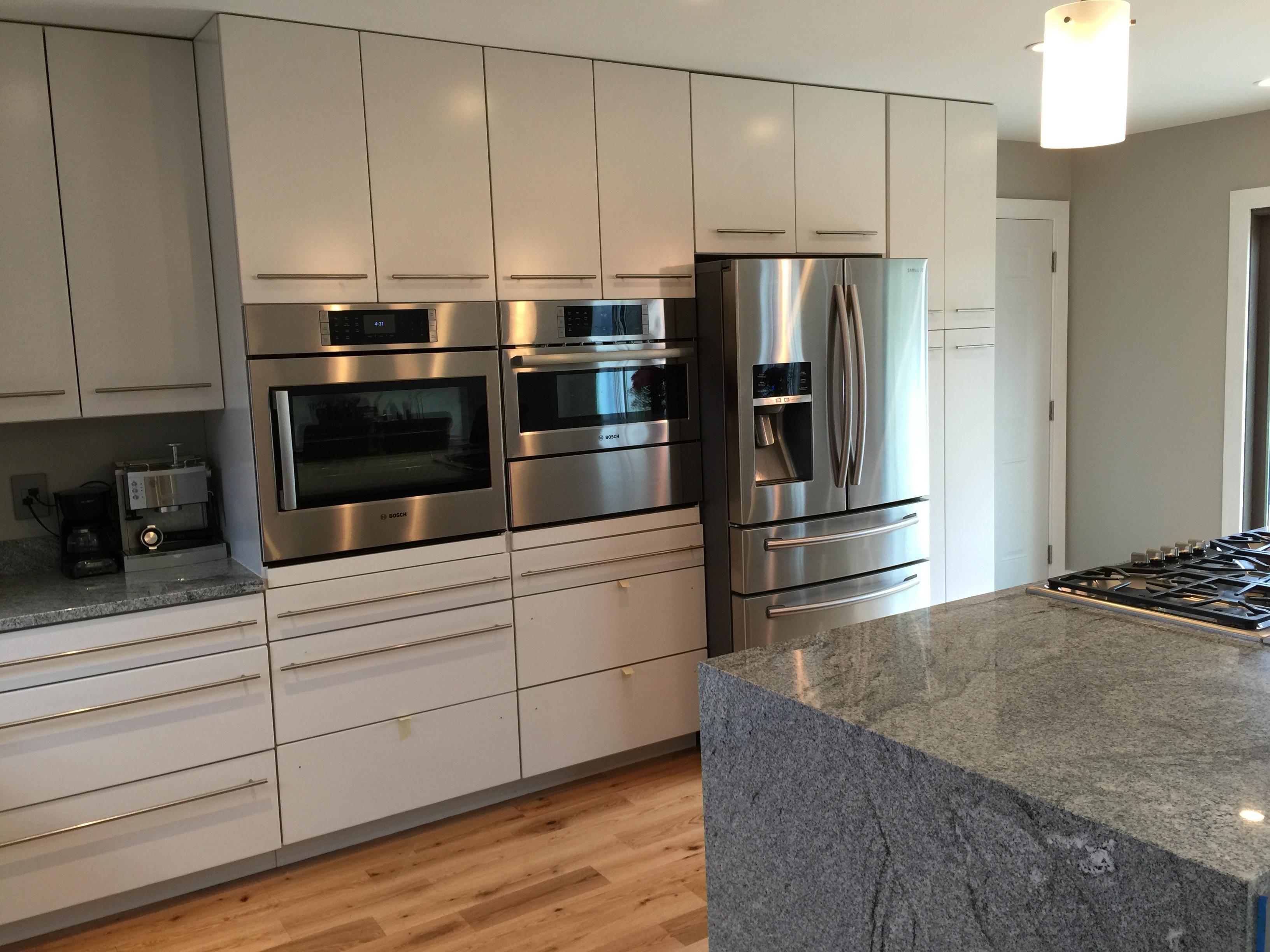 Modern Kitchen - Oakley Home Improvement